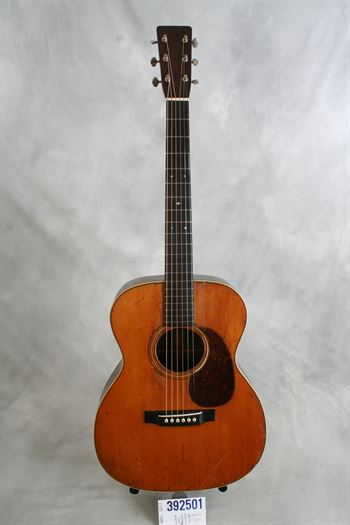 Martin (used, 1931) OM-28 Herringbone acoustic guitar