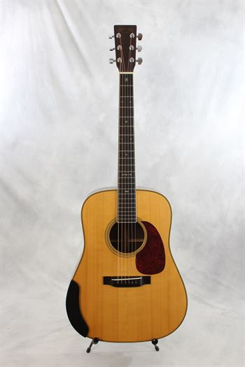 Martin (used, 1999) HD28LSV Adi Top Acoustic Electric