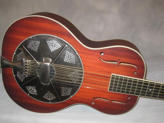 national new el trovador baritone guitar mandolin brothers ltd. Black Bedroom Furniture Sets. Home Design Ideas